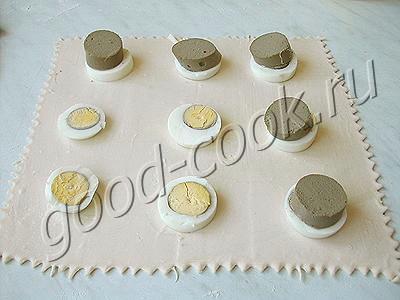 слойки с печенью и яйцом