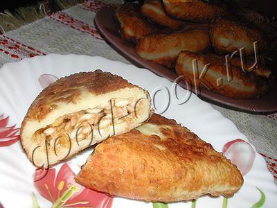 жареные яблочные пирожки (из творожного теста)