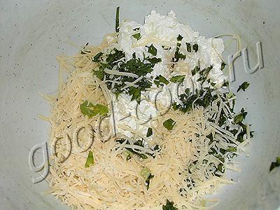 пирог с творогом, сыром и салями