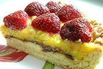 торт Мари с клубникой
