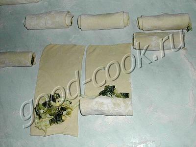 нежные мини-пирожки из слоёного теста