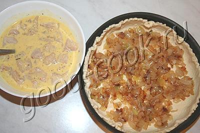 слоеный пирог с курицей в шапочке