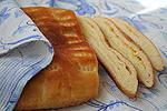 слоёный сырный хлеб