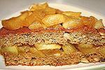 пирог сухарно-ореховый с яблоками