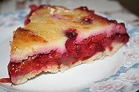 Сливовый пирог с заварной помадкой