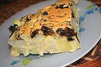 простой пирог с картофелем и грибами