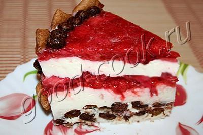 сметанный торт-суфле с клубничным вареньем