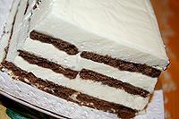 творожно-сметанный торт-суфле с печеньем