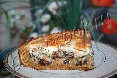 пирог из печенья с черносливом и орехами