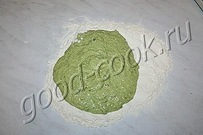 булочки с зеленым чесноком
