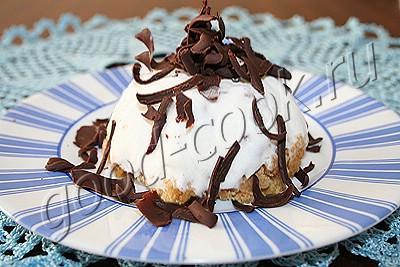 творожное пирожное с мороженым