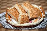 овсяная лепёшка с сыром и беконом