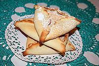 творожные треугольники с ореховым безе