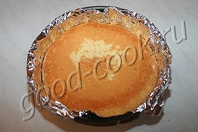 бисквитный пирог с айвой и орехами