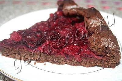 постный открытый пирог с вишней