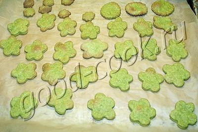 зеленое укропно-чесночное печенье