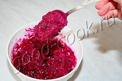 оладьи из вареной свеклы (сладкие)