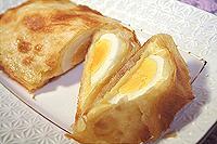 лаваш, запеченный с сыром и яйцами