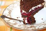 пирог Вишня в снегу с шоколадными пряниками