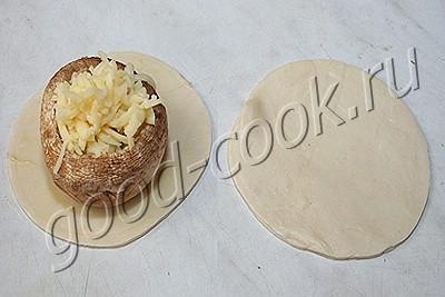 мини-пирожки с грибами и сыром