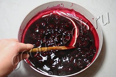 пирог с винно-вишнёвой начинкой