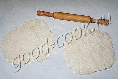 жареная лепёшка с фасолью