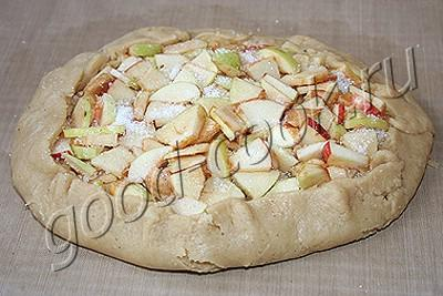 постный открытый пирог с яблоками