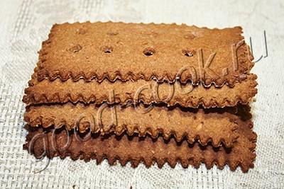 ржаные крекеры с отрубями