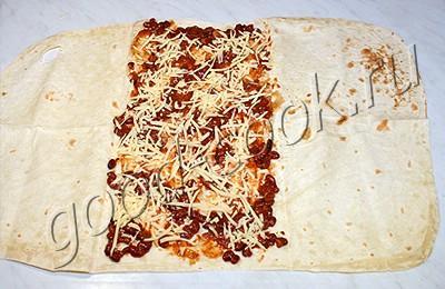 пирог из лаваша с консервированными овощами и сыром