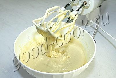 рассыпчатый кекс на сливках и желтках