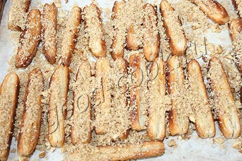 слоёные палочки в орехах