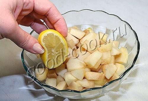 сухая шарлотка с грушами