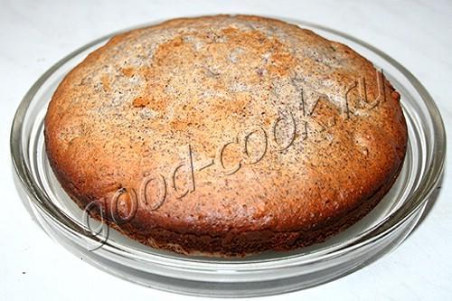 пирог с изюмом, орехами и маком