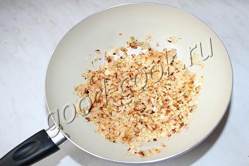 губадия с мясом, рисом, яйцами и изюмом
