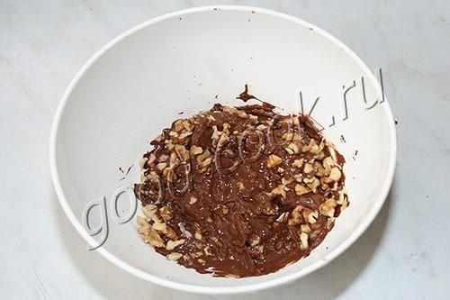 чизкейк с орехами и шоколадом