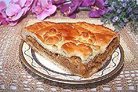 Дрожжевой пирог с тушеной свежей капустой