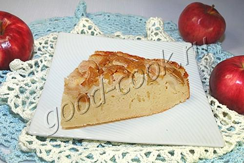 Манник с творогом и яблоками в мультиварке
