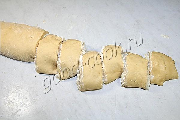 витушки с творогом, запеченные в сливках