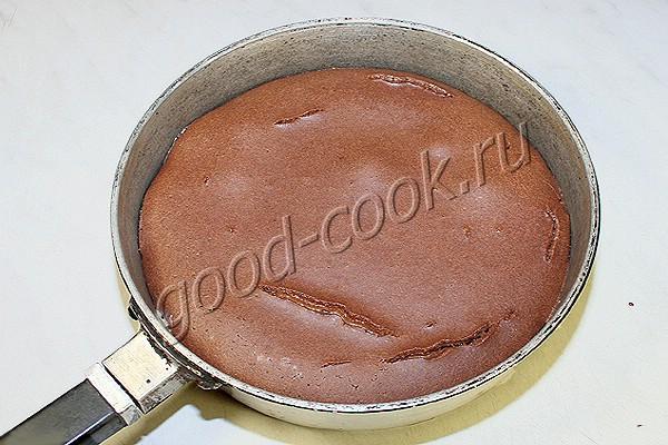 полосатый пирог со сгущенкой