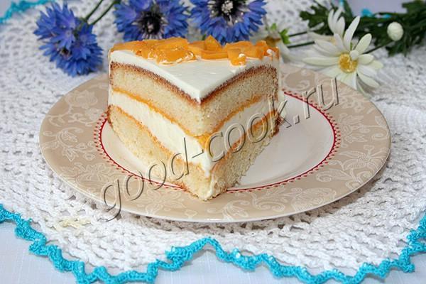 торт с консервированными персиками и сливками