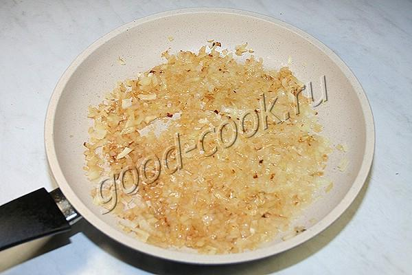 блины, фаршированные грибами в сметанном соусе