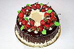 шоколадный торт с клубникой по-французски
