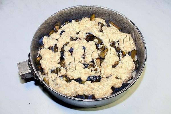 овсяный пирог со сливами