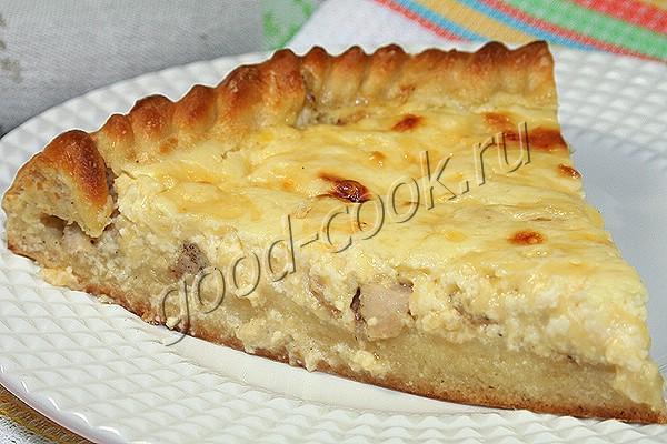 открытый пирог с курицей и сыром