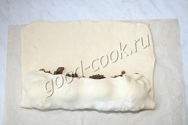 пирог с жареным фаршем и яйцами
