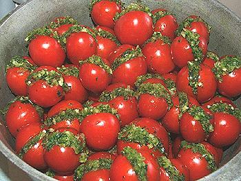 помидоры фаршированные чесноком маринованные