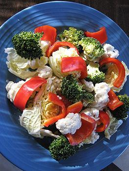 салат по македонски рецепт