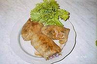 голубцы с сыром и салатом