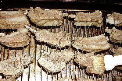 бутерброды с арахисовым маслом: холодные закуски на шпажках.
