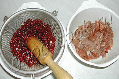 мясо тушеное в гранатовом соке